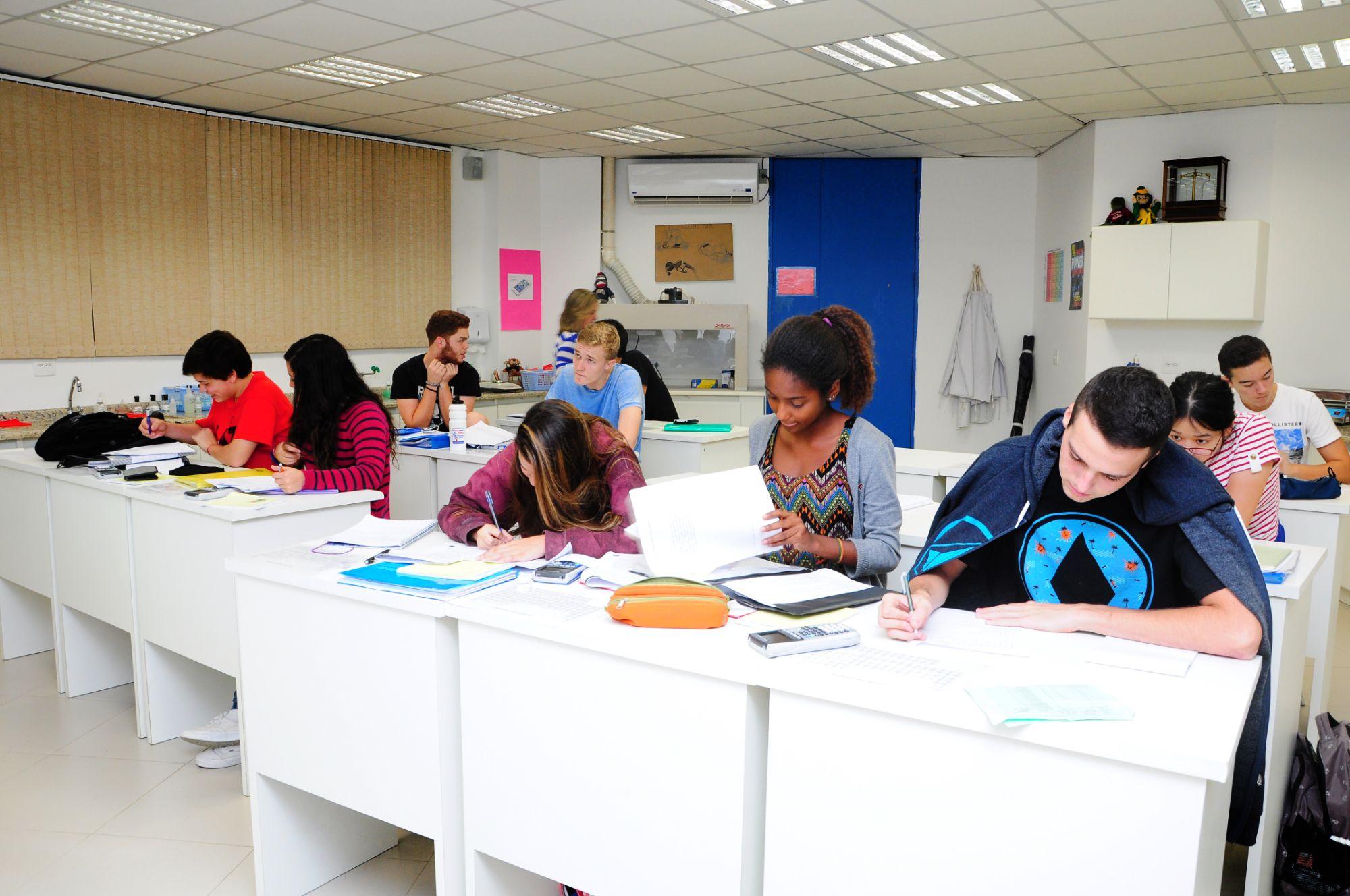 EARJ students in a classroom